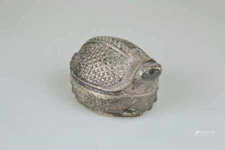 Kambodscha, Betheldose in Form einer Schildkröte, Silber (säuregeprüft), frühes 20. Jh.,