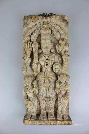 Prozessionsholz, Gott Vishnu, Indien, 19./ 20. Jh., Relief geschnitzt, Darstellung des vierarmigen
