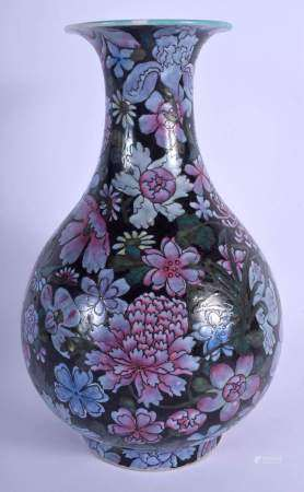 AN EARLY 20TH CENTURY CHINESE FAMILLE ROSE ENAMELLED YUHUCHUMPING VASE bearing Qianlong marks to bas