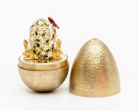 Stuart Devlin silver gilt surprise ' two love birds' egg, decorative textured form opening to reveal