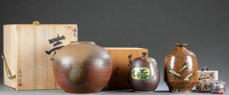 4 JAPANESE STONEWARE VESSELS.
