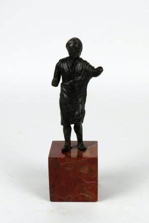 Rare statuette de sénat romain, portant une toge 9,3 cm Période romaine
