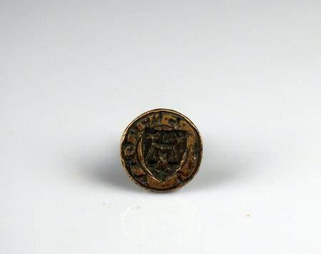 Sceau gothique en laiton et prise en pinacle à décor d'une balance accostée de trois étoiles 2,
