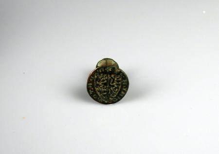 Sceau à contre sceau en laiton à décor d'un écu 2,2 cm