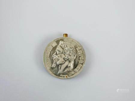 Briquet en forme de monnaie de Napoléon III.Objet de  soldat. XIXès.