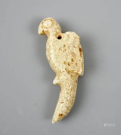 Perroquet ou phénix.Jade néphrite style néolithique. Chine.H :7cm