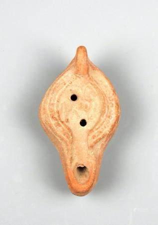 Lampe à huile à décor de cheval ailé Terre cuite 9 cm Période romaine