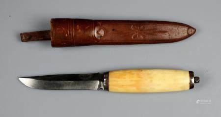 Superbe couteau scandinave marque Blikstad Throndhjen avec manche en ivoire marin 20 cm