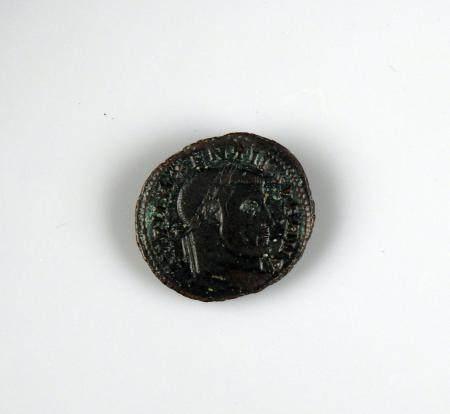 MAXENCE Follis de bronze à la légende IMP MAXENTIUS PF AVG et CONSERVATORES TRP SVAE Monnaie ro