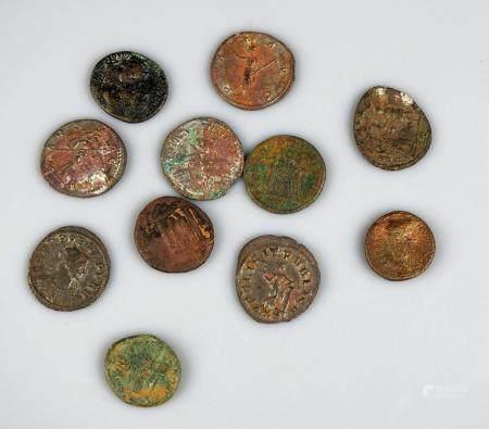 MONNAIES ROMAINES Ensemble de 11 monnaies variées en bon état général
