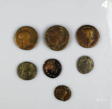 MONNAIES ROMAINES Ensemble de 7 monnaies variées en bon état général