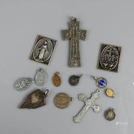 Ensemble de médailles religieuses XIX et Xxème siècle