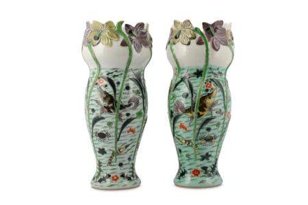 A PAIR OF CHINESE FAMILLE VERTE 'FISH POND' VASES.