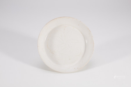 Chinese Dingyao Porcelain Lotus Plate