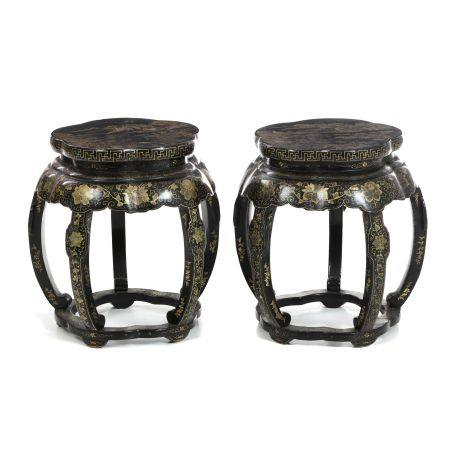 Pair of stools in chinese export lacquer, 19th