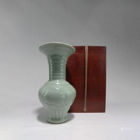 宋青磁花瓶