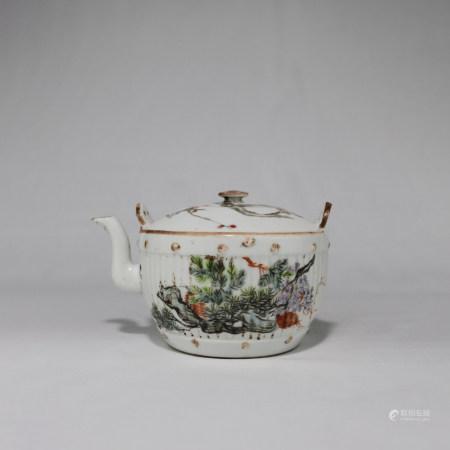 晚清 余焕文款浅降彩花鸟纹茶壶
