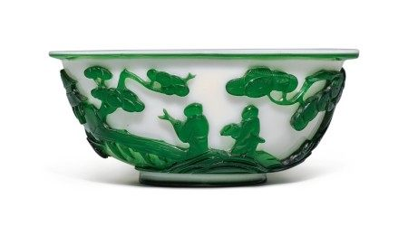 A GREEN OVERLAY WHITE GLASS 'FIGURAL' BOWL, QING DYNASTY, 19TH CENTURY