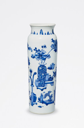 清 顺治 青花博古纹筒瓶