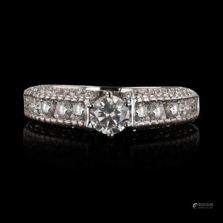 0.51ctw SI2 CLARITY CENTER Diamonds 14KT White Gold Ring (1.72ctw Diamonds)