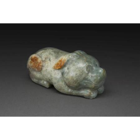 SUJET ANIMALIER   en jade céladon brun veiné de rouille, représentant