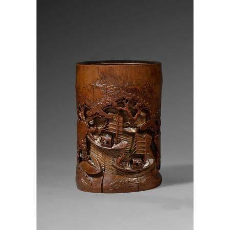 PORTE- PINCEAUX BITONG  en bambou, à décor sculpté en méplat d'une scè