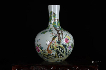Chinese Yongzheng Year Of Qing Dynasty Famille Rose Tianqiu Bottle