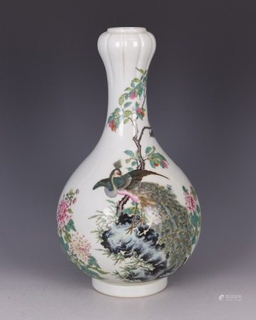 Fine Chinese Porcelain Flower Vase with Period Mark