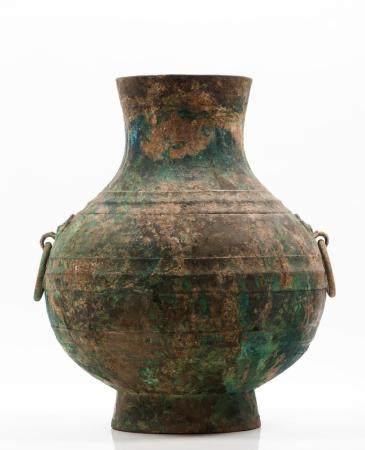 Large banded Hu vase
