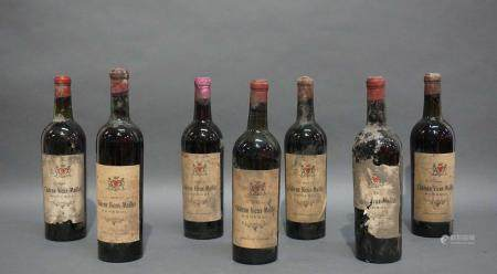 Lot de 7 bouteilles de Château Vieux-Maillet 1943