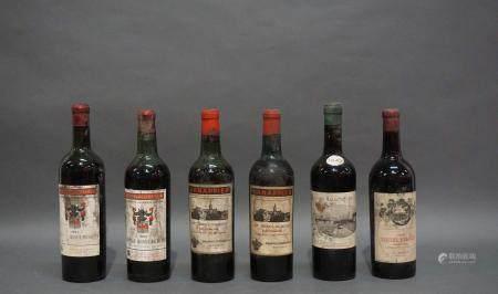 Lot de 6 bouteilles de vin composé de 2 Château Croque-Michotte 1953, 2 Château Croque-Michote