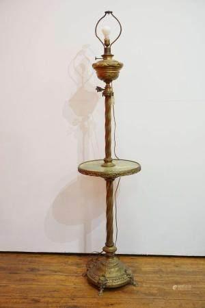 Lampadaire en laiton et onyx. H : 150 cm