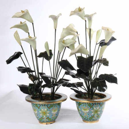 A pair of lotus pots with copper cloisonne and Tian jade in the late Qing Dynasty