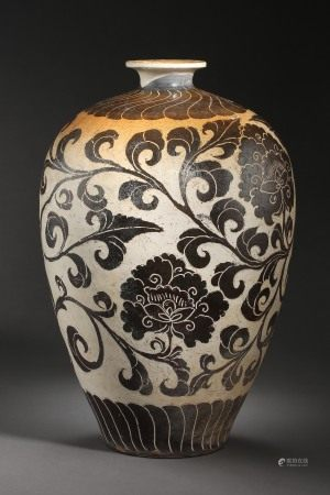 SONG DYNASTY, CHINESE CIZHOU KILN PORCELAIN VASE
