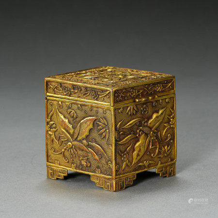 GILT-BRONZE SQUARE BOX OF THE QING DYNASTY PALACE OFFICE OF CHINA