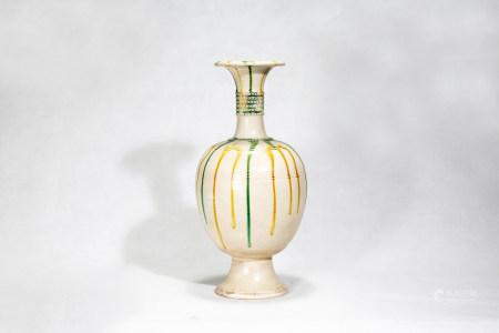 Chinese Tricolor Porcelain Bottle