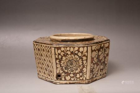 Chinese Jizhou Kiln Porcelain Brush Pot