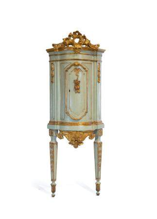 Pair of corner cupboards in blue lacquered wood, 18th centur