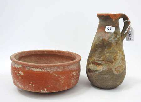 Deux céramiques romaines d'Afrique du nord. H. 16 cm. D. 15 cm. Expert : Monsieur [...]