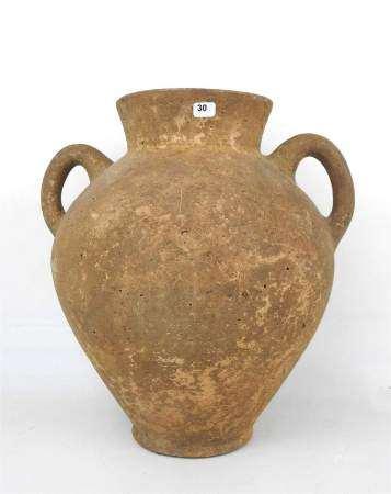 Jarre étrusque à deux anses ayant probablement servi d'urne cinéraire. Céramique [...]