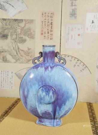 清  窑变釉抱月瓶