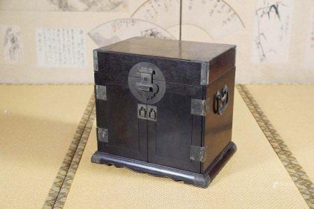 清  紫檀官皮箱
