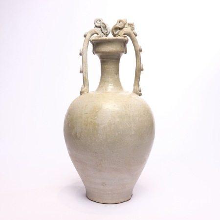 唐巩县窑白釉双龙尊 A rare white-glazed double dragon statue from Tanggong County Kiln