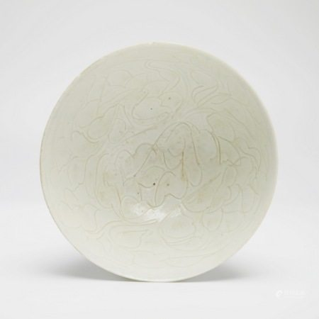 宋代景德镇窑划花鸡心碗 A rare piece of Jingdezhen kiln cut flower chicken heart-shaped bowl, Song Dynasty