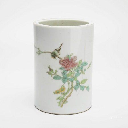 民国粉彩花鸟纹筷子筒 A rare famille rose flower and bird chopstick holder, Republic of China