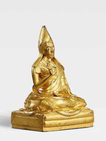 A GILT COPPER ALLOY FIGURE OF THE SECOND PANCHEN LAMA, LOBZANG YESHE QING DYNASTY, 17TH/18TH CENTURY