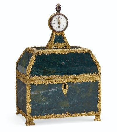 A GEORGE III ORMOLU-MOUNTED BLOODSTONE AND GOLD NECESSAIRE TABLE CLOCK