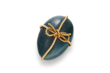 A GOLD-MOUNTED BLOODSTONE EGG-FORM PAPERWEIGHT