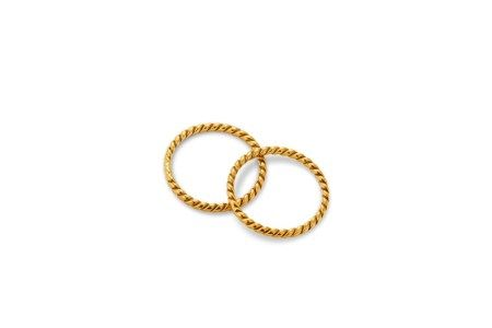 A PAIR OF GOLD ROPE-TWIST RINGS