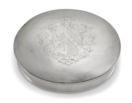 A GEORGE I SILVER TOBACCO BOX